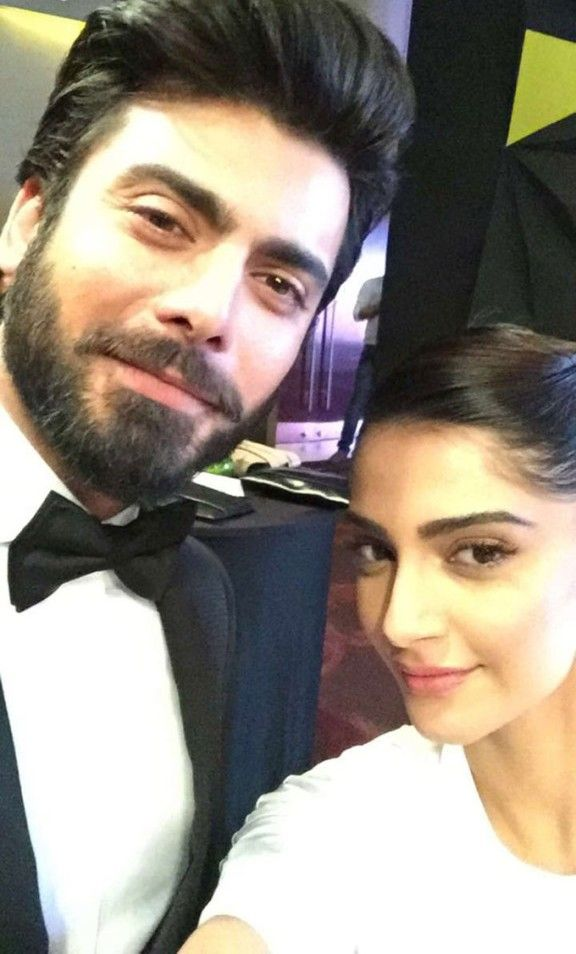 Check out the 'Khoobsurat' selfie of Fawad Khan and Sonam Kapoor
