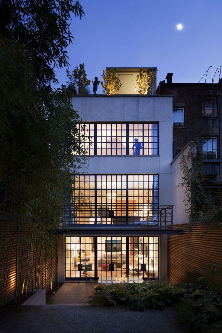 Townhouse Moonrise // http://www.stevenharrisarchitects.com/townhouses#p1