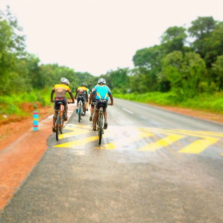 Having fast guys to train with had really upped my game especially on interval days. Can't wait to test out my new speed this racing season!  #fitness #riseandshine #riseandride #cycling #road #zambia #travel #morning #sunrise #bikelife #athletelife #travelphotography #travels #instago #outside #outsideisfree #training #instabike #instabikes #mountainbiking #mtb #roadbiking #gopro #girlswhoride #Nokialumia #instago #bestoftheday #workoutmotivation