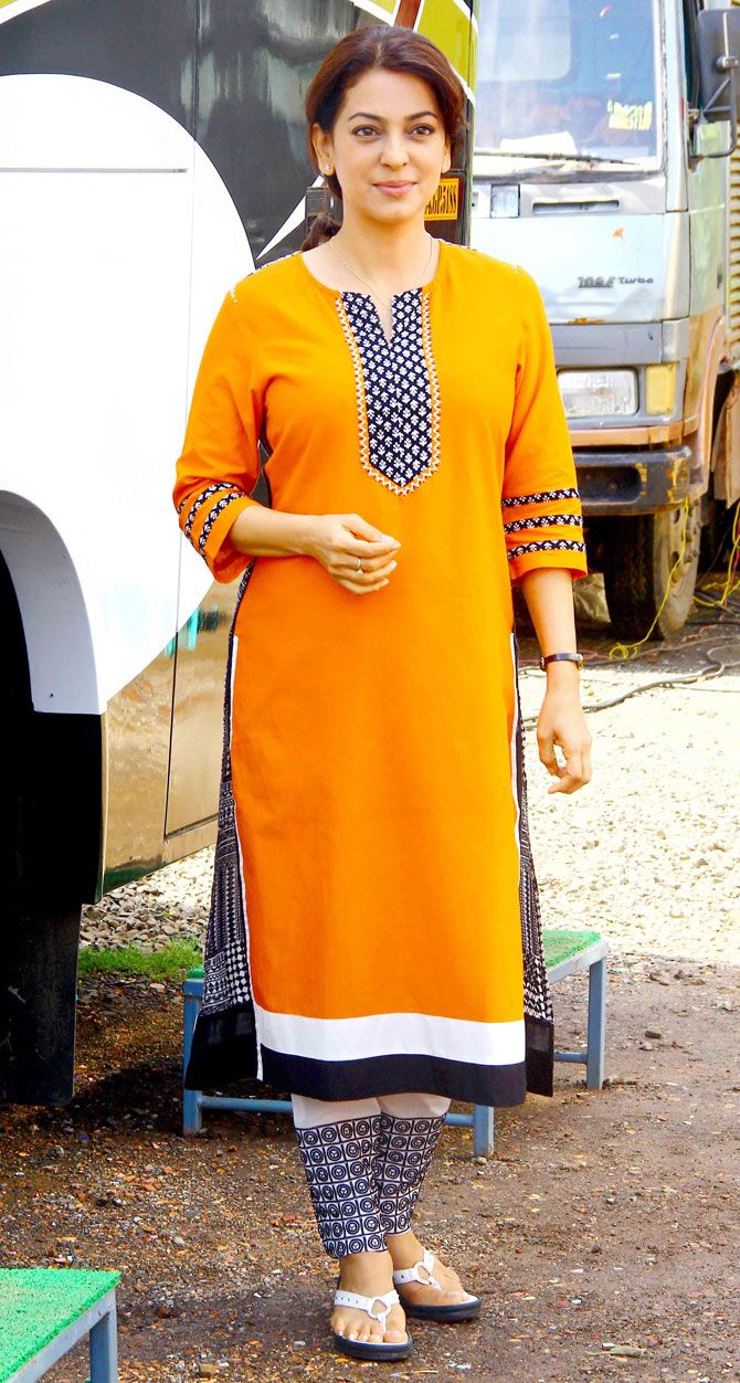 Juhi Chawla on the filming location of the, 'Chalk N Duster'. #Bollywood #Fashion #Style #Beauty
