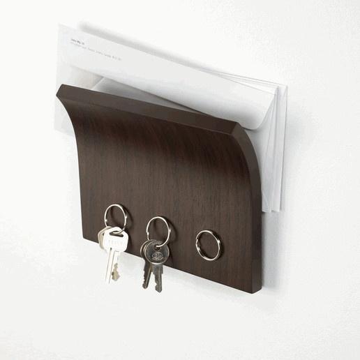 Magnetic key hanger