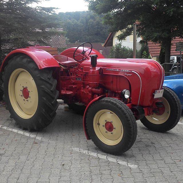 #porschedieselsuper #porschediesel #porsche #traktor #tractor #retro #retroauto #retrocar #vintage #vintageauto #vintagecar #klassik #classic #classiccar #old #oldcar #nostalgie #nostalgic #nostalgiccar #auto #car #oldtimer #youngtimer #oldschool #carporn