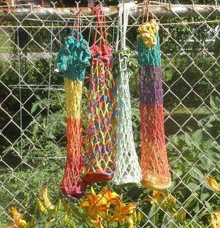 crochet shopping bag that folds into itself--free pattern