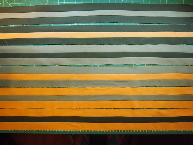 04-sew-into-3-strip-sets.jpg (4032×3024)