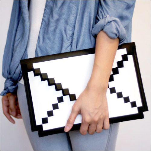 """8-BIT SLEEVE ケース for MacBook Air 13"""" - MacBook Air 13インチ用8ビット封筒デザインインナーケース - fu-bi(フウビ)"""