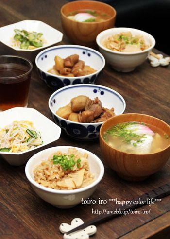 今回は美味しく作った和食をきちんと並べる、基本の和食の並べ方について一緒に学んでいきたいと思います。