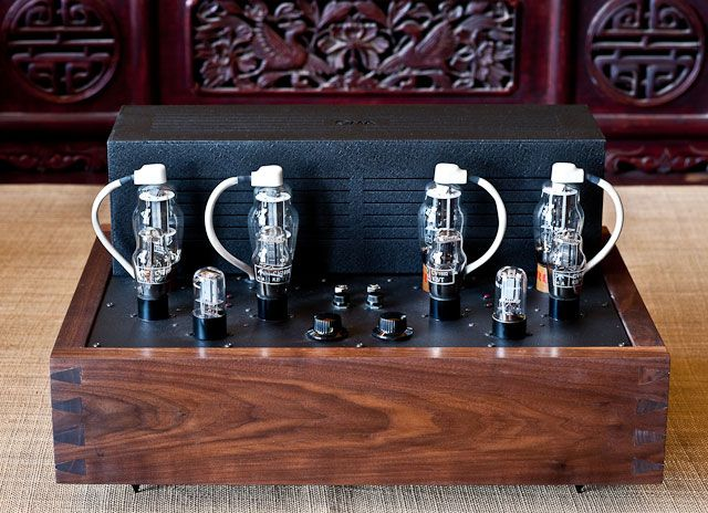 Black Knight amplifiers - Oswalds mill audio. Dikke amp voor 10 watt vermogen