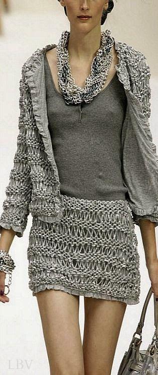 Dziana Moda: Moschino na drutach