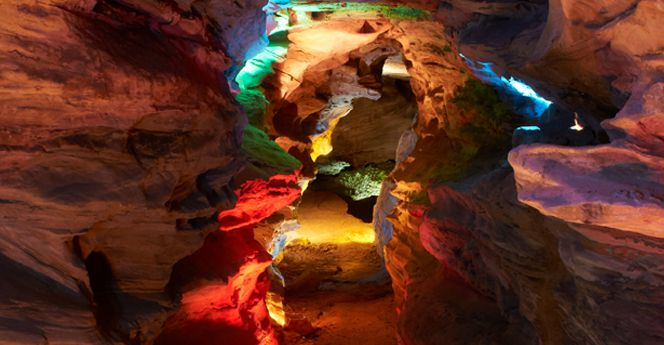 The Day Trip Of A Lifetime You Can Only Take Near Pittsburgh - laurel caverns