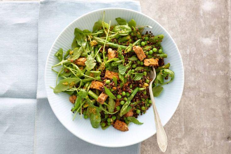 Kijk wat een lekker recept ik heb gevonden op Allerhande! Quinoa met groene asperges en tofu