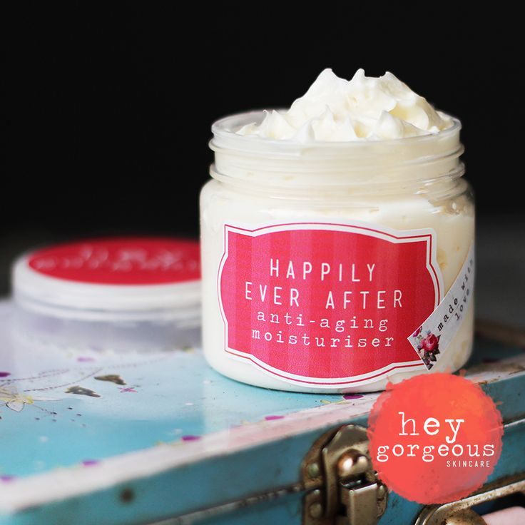 Luxurious anti-ageing moisturiser to promote a natural radiance and give your skin a flawless texture.