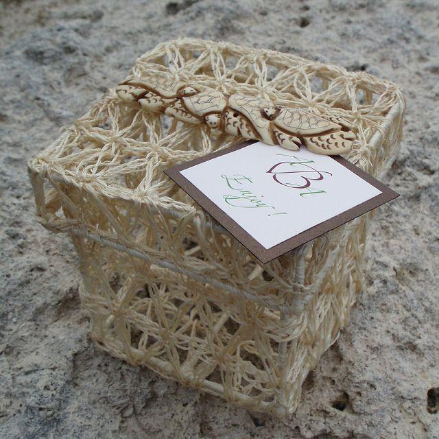 Unique Beach Wedding Ideas: Unique Wedding Favor Box For A Tropical Or Beach Wedding