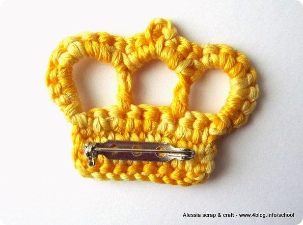 Uncinetto: spilla con la corona per la festa della mamma | Alessia, scrap & craft...Alessia, scrap & craft…