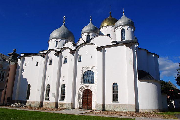 Софийский собор в Великом Новгороде, освященный 14 сентября 1052 года. Собор построил князь Владимир Ярославович, сын Ярослава Мудрого