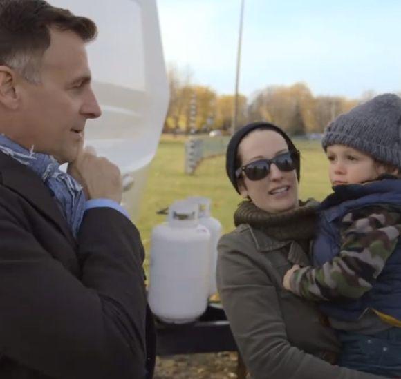Le fils de Patrick Huard et Anik Jean imite Rogatien de Taxi 0-22 | HollywoodPQ.com