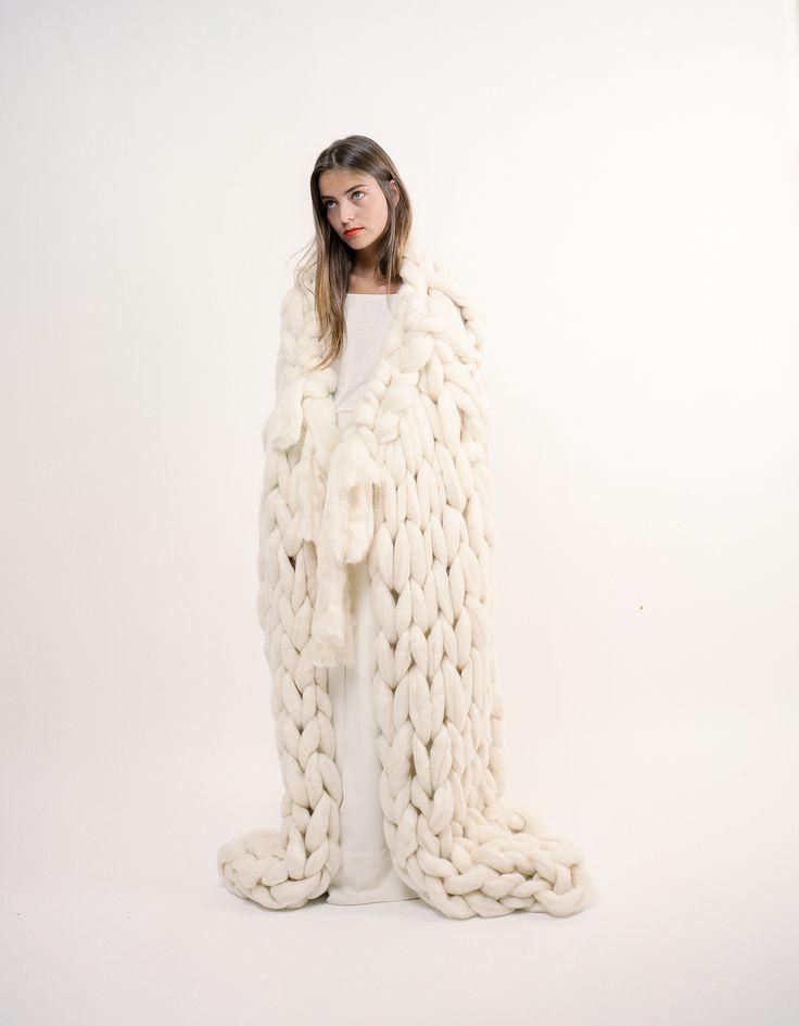 2015 - 2016 | Maison Floret DOUG Cape en mèche de laine Série limitée #maisonfloret #wedding