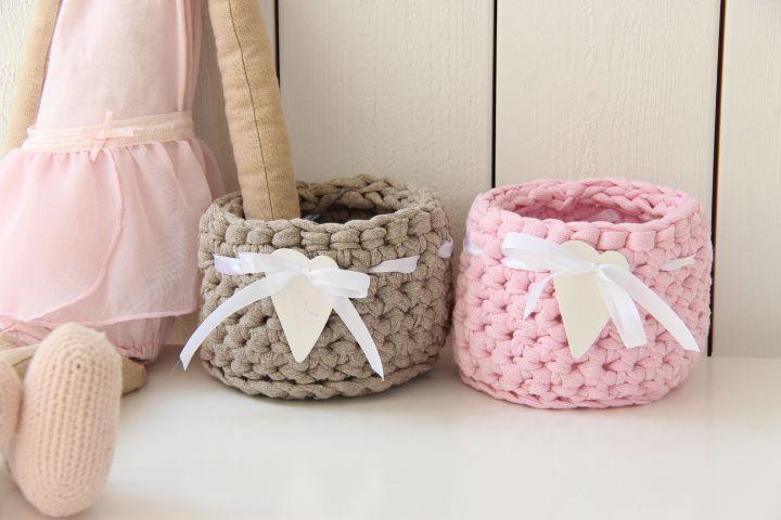 cesta decorada con corazón