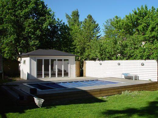 Trädgårdsstaden Inredning och Byggnadsvård - Poolhus i lösvirke