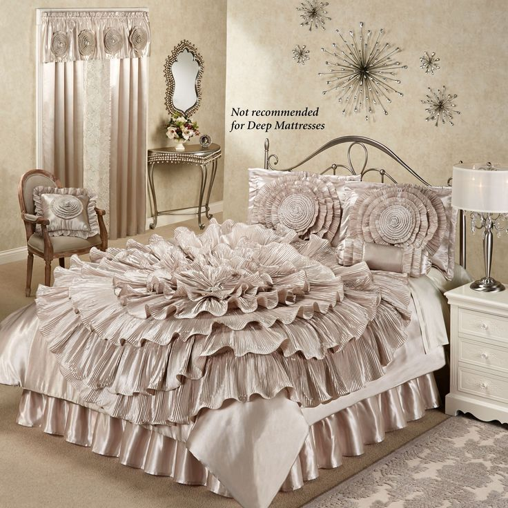 Best 25 queen bedding sets ideas on pinterest king size bedding sets bed pillow arrangement - Elegant master bedroom design ideas packing comfort in luxury ...