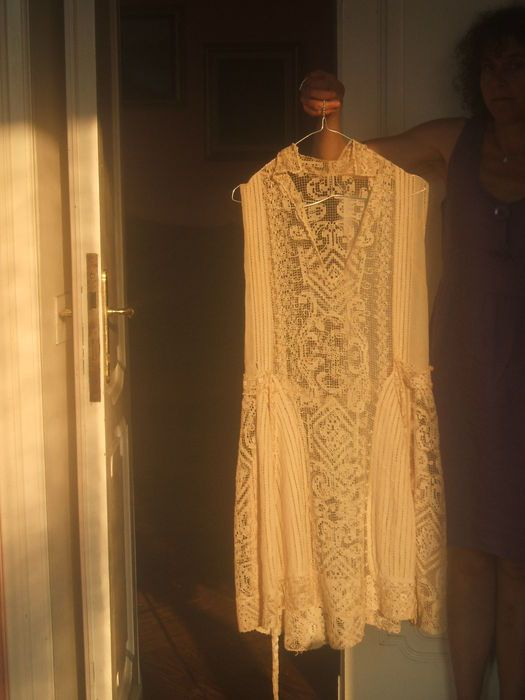 Online veilinghuis Catawiki: Embroidered dress, Italy, 1920s/30s