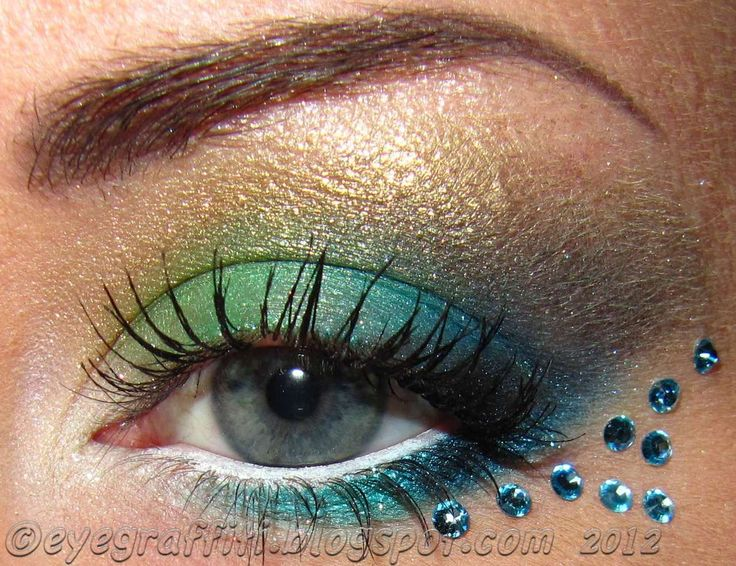 peacock eye makeup