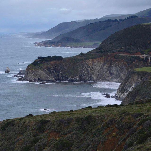 【andy.hall】さんのInstagramをピンしています。 《16.02.17 / Big Sur / California Good morning from a very cloudy California. 曇りのカリフォルニアよりおはよう。 ----- #travel #bigsur #california #ca #coast #ocean #nature #旅 #ビッグサー #カリフォルニア #海岸 #海 #自然》