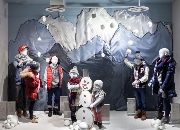 """LUDWIG BECK,Munich Germany,""""Creating Snow Man"""", pinned by Ton van der Veer"""