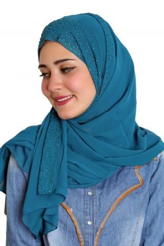 Soft hijab, goes with many different floral and patterned outfits.
