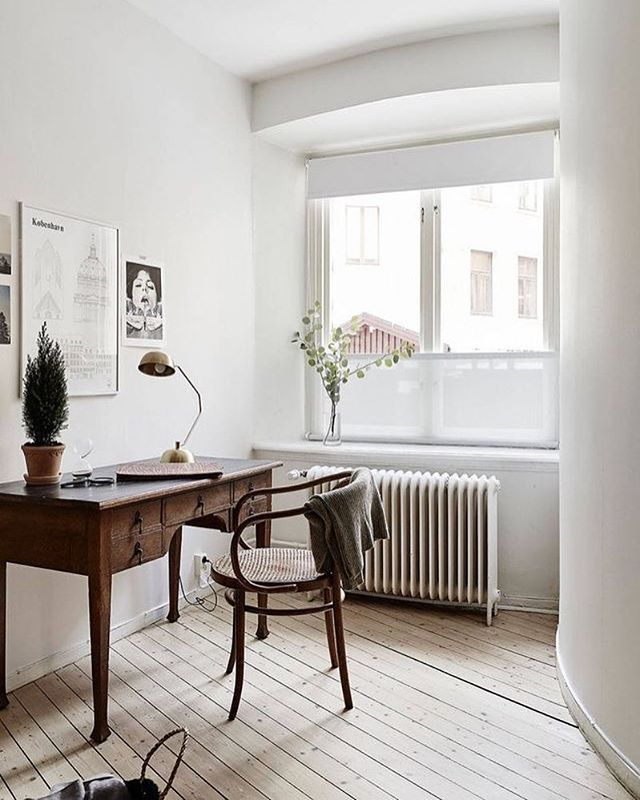 A lovely workspace styled by @greydeco.se for @stadshem Jonas Berg. Kobenhavn poster by Studio Esinam available online. . #studioesinam #interiorstyling #nordichome #nordicinspiration