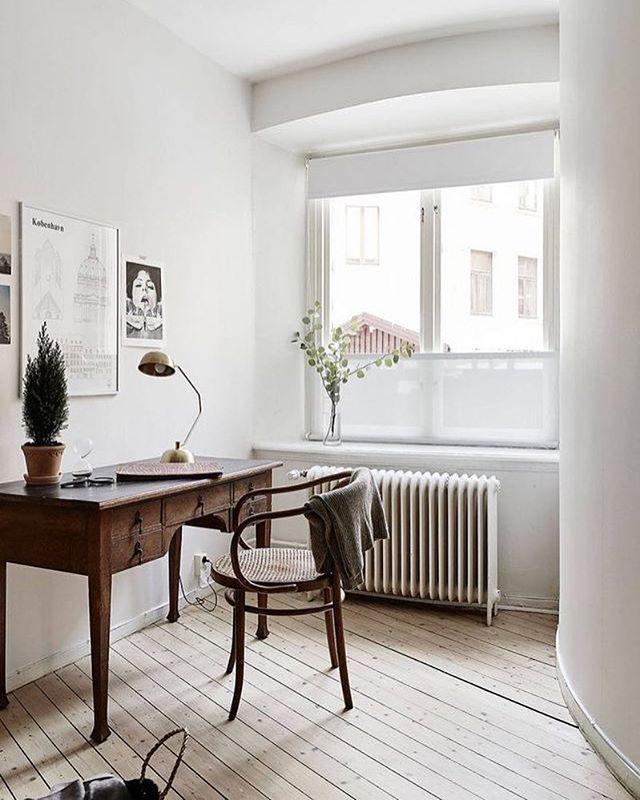 A lovely workspace styled by @greydeco.se for @stadshem Jonas Berg. Kobenhavn poster by Studio Esinam available online. . #studioesinam #interiorstyling #nordichome #nordicinspiration