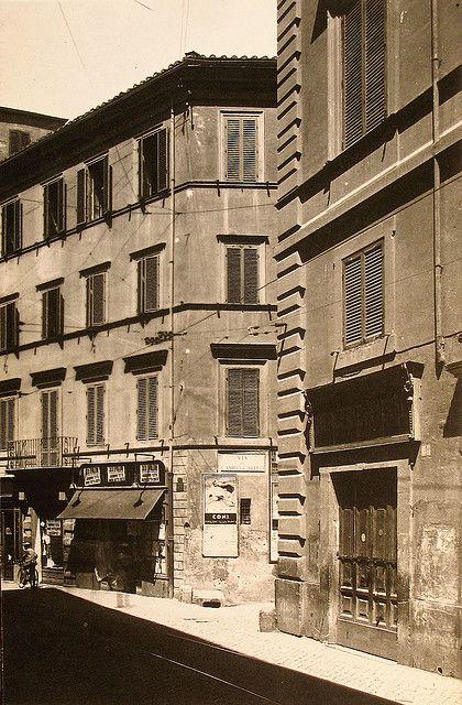 Via Bonella, oggi scomparsa. Sorgeva dove oggi si trova Via dei Fori Imperiali.