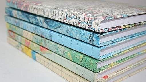 De eerste woensdagmiddag van september en de horror kan beginnen: eindeloze stapels boeken kaften. En dan is de discussie over het kaftpapier nog niet ...