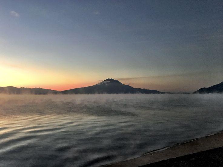 おはようございます(^o^)/  今日の桜島です。 天気は快晴!空気はチメタイ! この冬一番の寒さになりました。 伊佐市大口ではマイナス3度だとか(>_<)  くれぐれも風邪をひかないようにしないといけないですね。  今日も一日、元気に頑張っていきましょう!!!