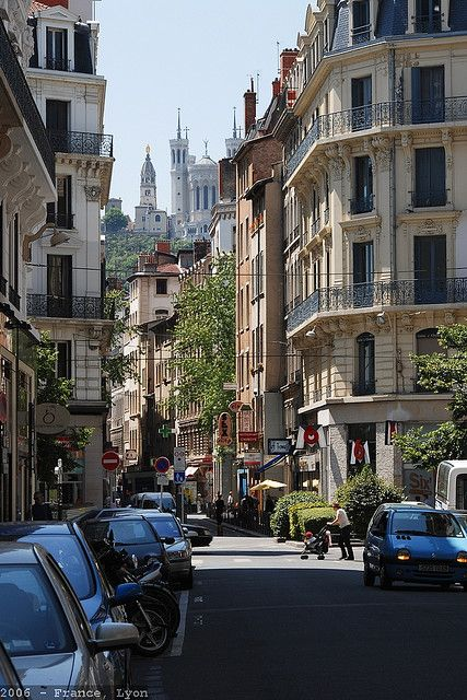 Chapitre 17 page 206 : Lyon, ville où est né et rêné Matthew.