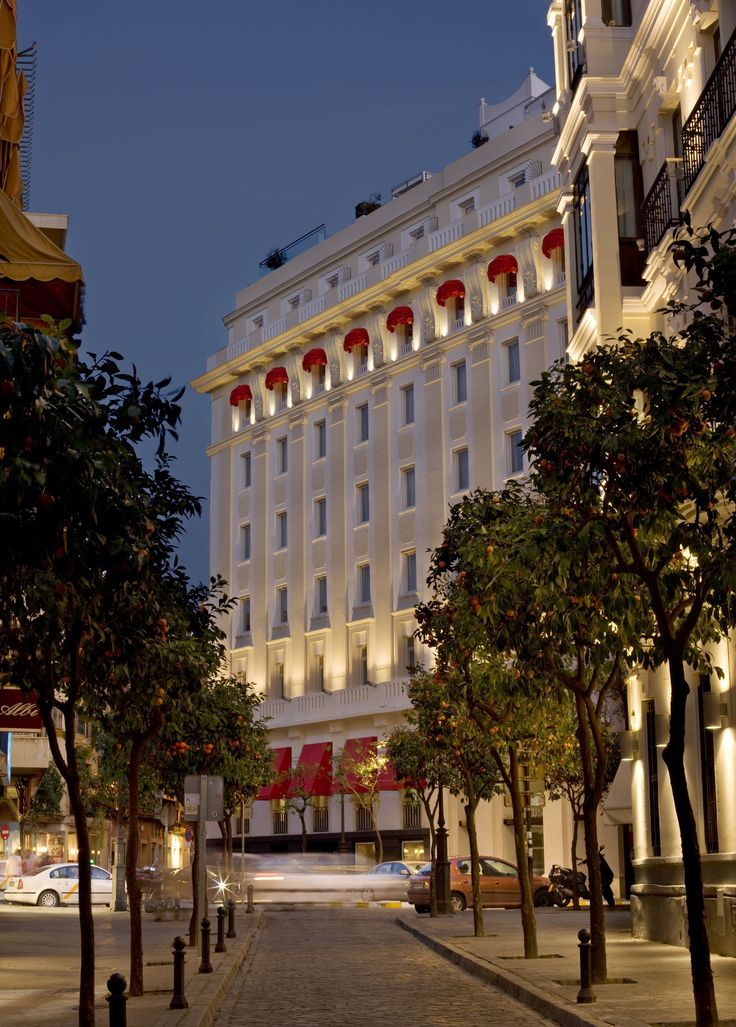 Gran Meliá Colón is a luxury hotel in the historical, cultural, commercial and financial heart of Seville.