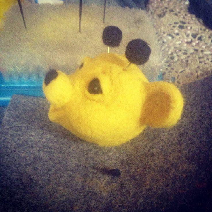 Смущающийся пчел!)