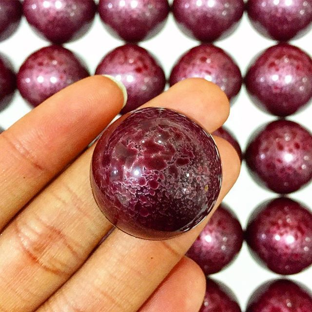 Purple love*  #blackcurrant #tea #chocolate #bonbon #love #purple #wow #training #middleeast #london #comingsoon #chocolateline #design #brandnew #project #shine #crazy