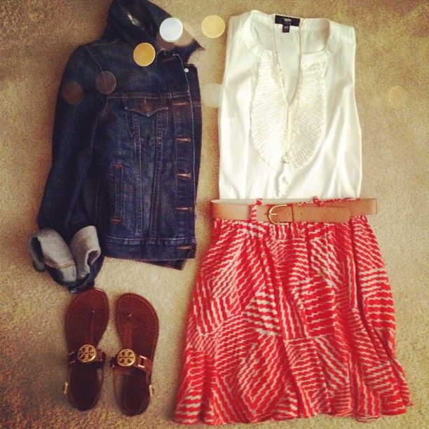 Cute for #spring and #summer: denim jacket over a belted patterned skirt and simple sandals