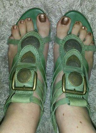 Kaufe meinen Artikel bei #Kleiderkreisel http://www.kleiderkreisel.de/damenschuhe/sandalen/139249925-tamaris-romersandalen-grun-gold-keilabsatz