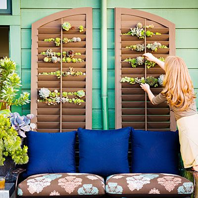 Shutter Garden - to hold rootballs in place, staple weed-cloth pockets behind each slatIdeas, Old Shutters, Small Spaces Gardens, Plants, Vertical Gardens, Succulent Garden, Gardens Design, Outdoor Spaces, Windows Shutters