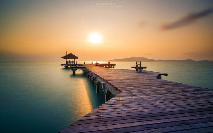 Photograph Wooden bridge - Rayong Resort (ระยองรีสอร์ท) by Taweesak Boonwirut on 500px
