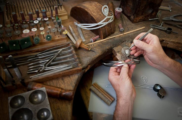 Master Jewellers at work !