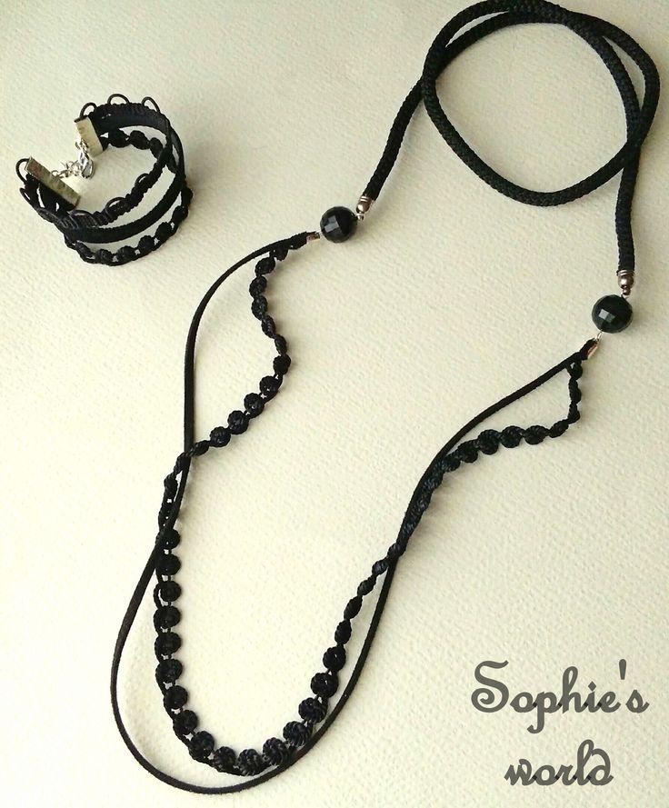 σετάκι χειροποίητο μαύρο μακρύ κολιέ κ τριπλό βραχιόλι #black #handmade #accessories  https://www.facebook.com/Sophies-world-712091558842001/