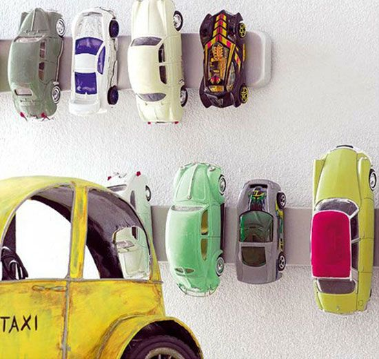 Use Magnet Knife Holders For Car Storage | Click Pic for 12 Clever Space Saving Ideas for Small Bedrooms | DIY Storage Ideas for Small Bedro...