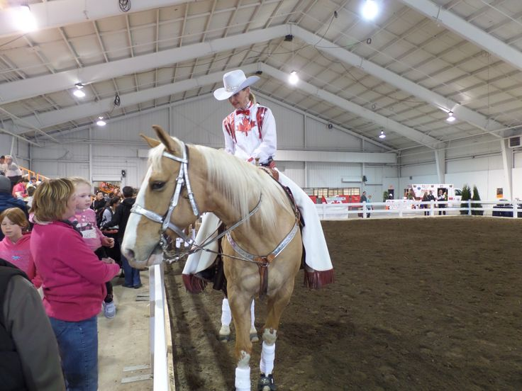 The Canadian Cowgirls at the #AllAboutPetsShow