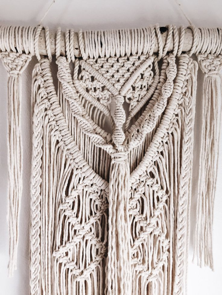 598 best macrame weavings images on pinterest macrame wall hangings macrame knots and. Black Bedroom Furniture Sets. Home Design Ideas