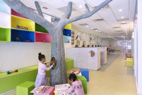 peluqueria niños 2 500x333 Espacios Cool para Niños.. Peluquería Beehives and Buzzcuts en N.York