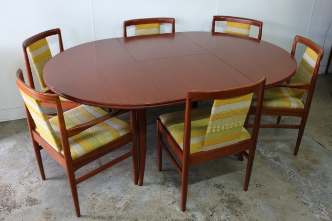 Maker: Parker Furniture Origin: Australia Circa: 1960s Dimensions: 122cm diameter, 176cm length when extended