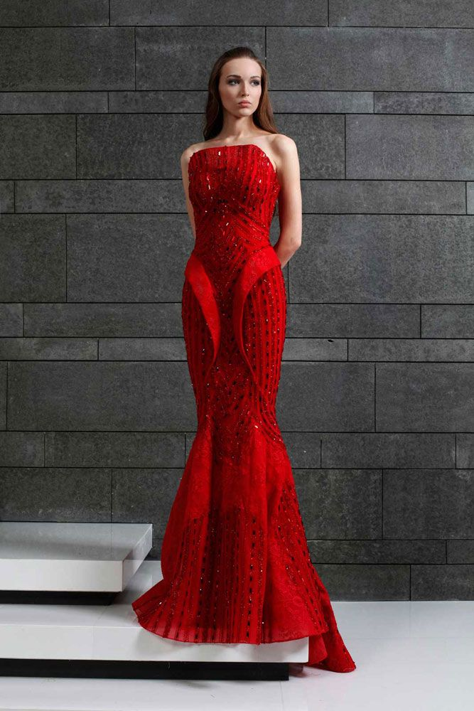 Strapless Red evening gown made of Lace and embroidered Tulle. Fall Winter 2014/15 | Tony Ward