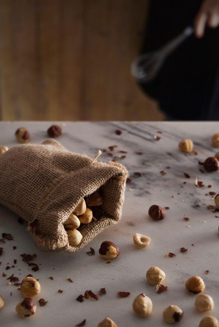 La asaltante de dulces: Avellanas/ Hazelnuts